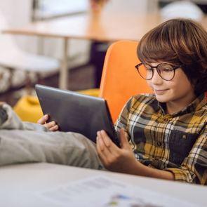 Мобильные приложения, которые пригодятся школьнику