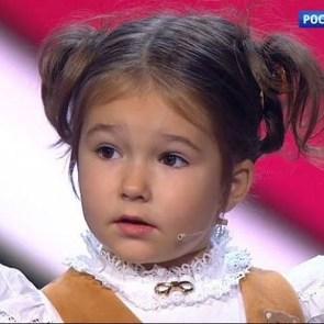 4-летняя девочка говорит на семи языках