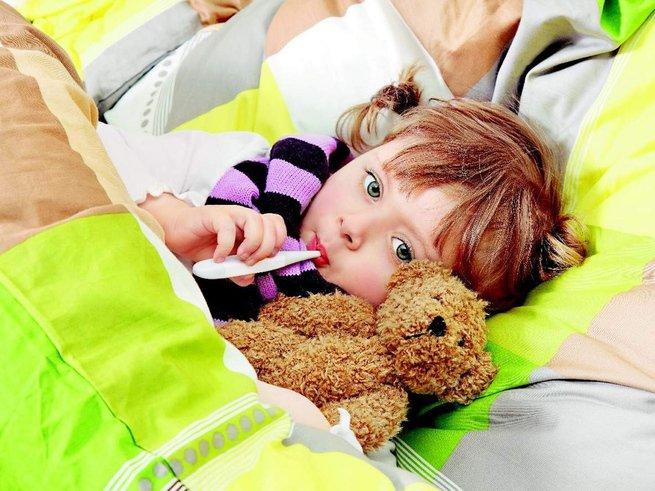 Что делать, если ребенок тяжело дышит и кашляет