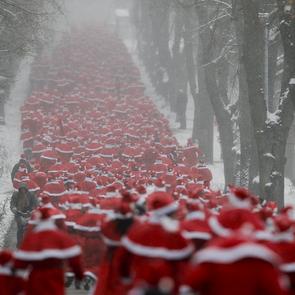 Состоялся новогодний забег Дедов Морозов