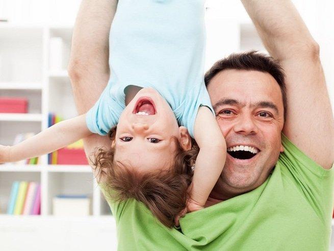 Чем занять ребёнка от годика до трёх: умный план