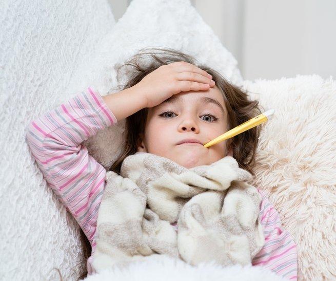Если ребёнок заболел под Новый год: что делать маме