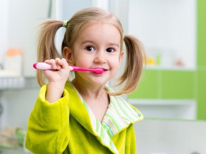 Создана зубная паста,  восстанавливающая эмаль во сне