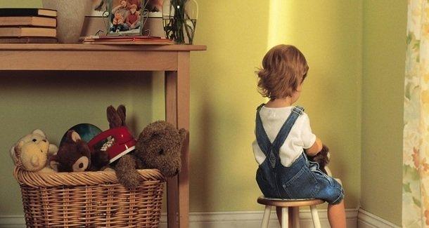 """""""Больной"""" вопрос: можно ли наказывать ребенка ремнем?"""
