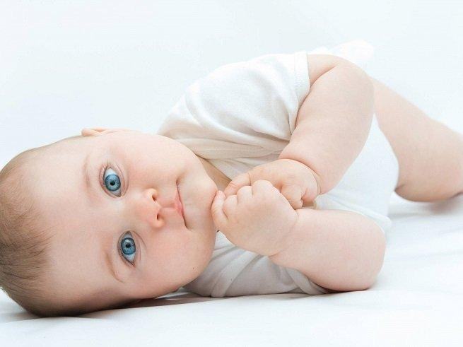 Судороги во  сне у ребёнка: причины, первая помощь