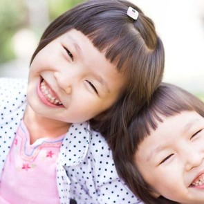 «Дети растут улыбчивыми и довольными»: секреты воспитания по-тайски
