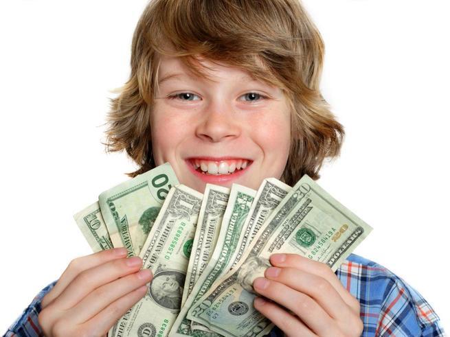 Только родители могут научить обращаться с деньгами