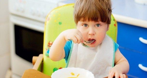 Чем кормить ребёнка при отравлении