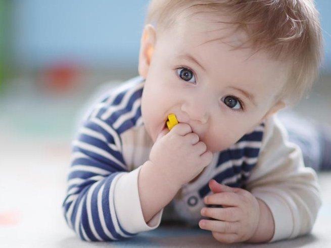 Развитие ребёнка в 1 год и 5 месяцев