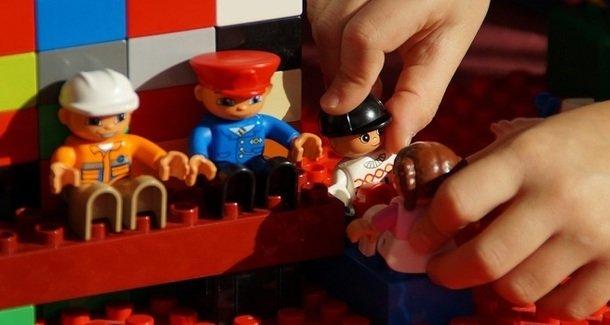 Игрушки для мальчиков и девочек 10 лет