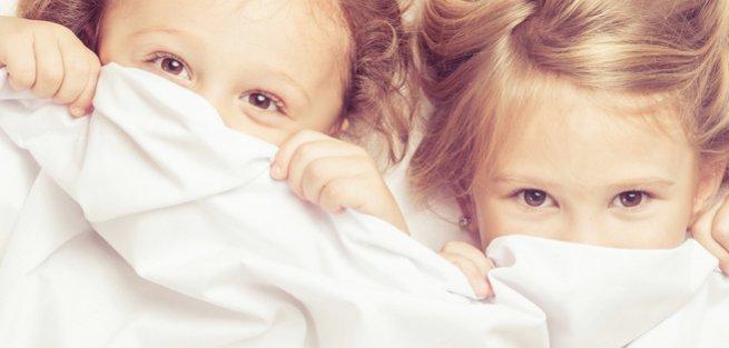 Как уложить спать двоих детей сразу