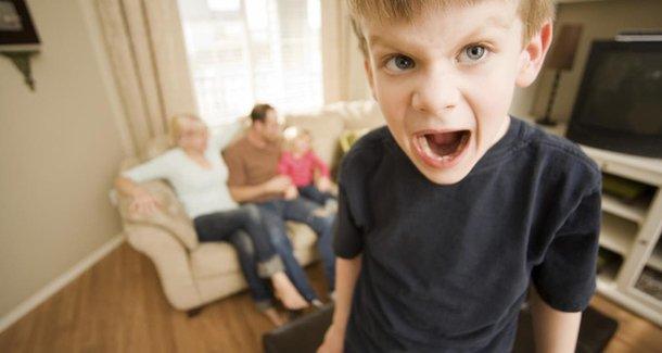Почему капризничает ребёнок в 7 лет