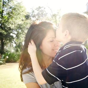 """""""Быть мамой мальчика – это знать, что он вырастет и уйдет от тебя"""". Монологи"""