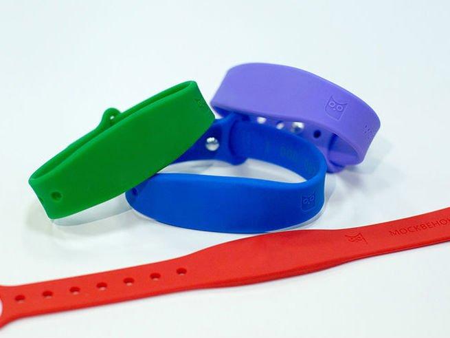 На школьников наденут электронные браслеты
