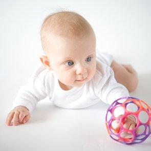 «Сорока-белобока» для крохи: как заинтересовать пальчиковыми играми?