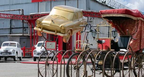 Новогодний праздник в Автомузее «Моторы Октября»