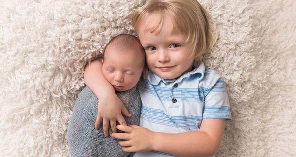 ВИДЕО: когда не рад рождению братика