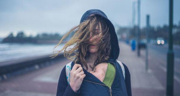 Слинг зимой: враг ужасных комбинезонов и унылых прогулок