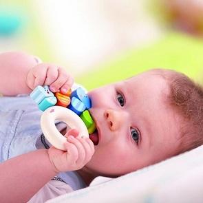 Как облегчить ребёнку прорезывание зубов: 4 действенных совета
