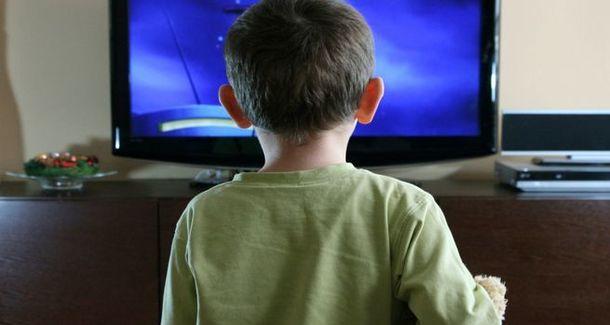 За и против: можно ли ребёнку смотреть мультики?