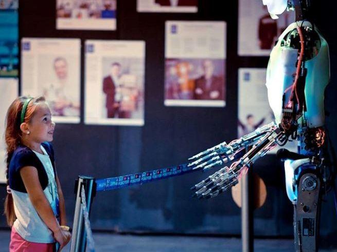 Роботы встретятся с людьми на «Робостанции»
