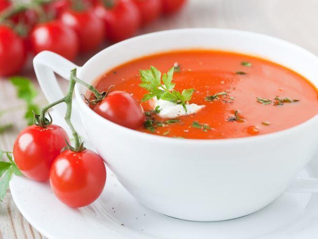 7 рецептов освежающих холодных супов
