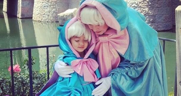 Видео дня: Папа-дизайнер шьёт для дочери невероятные платья