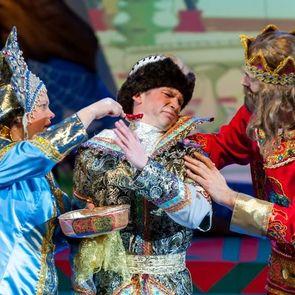 Театр Л.Рюминой приглашает юных зрителей окунуться в волшебный мир героев русских сказок