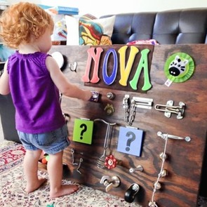 Развивающий стенд для ребёнка своими руками