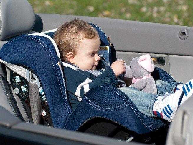 МВД предлагает упростить правила перевозки детей в автомобиле