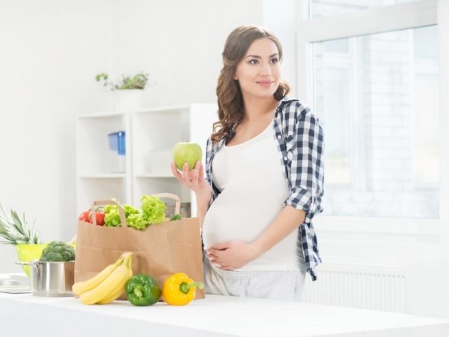 Селёдка с извёсткой: о чём говорят вкусы беременных?