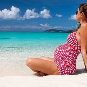 Вопрос гинекологу: можно ли ехать на море во время беременности?