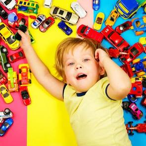 9 способов воспитать ребенка так, чтобы он не вымогал подарки