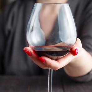 Минздрав обсуждает запрет на продажу алкоголя в выходные дни