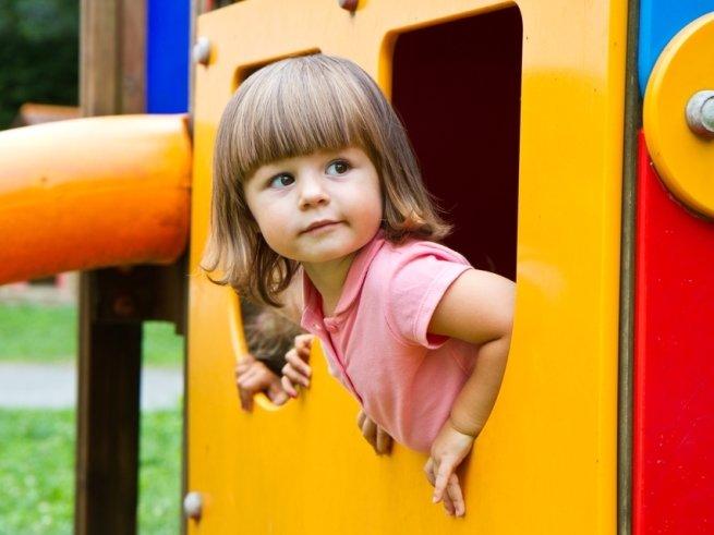 Неожиданные опасности на детской площадке