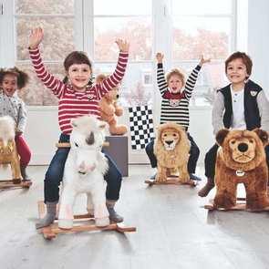 6 детских игрушек, которые вам очень захочется выкинуть