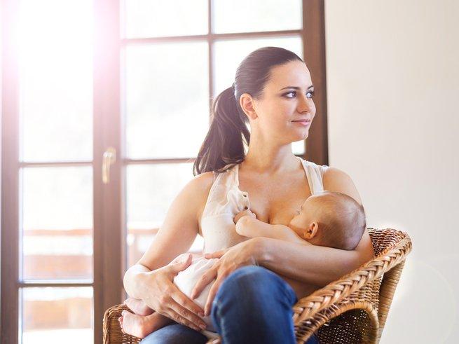 Что нужно знать маме о первых кормлениях малыша?