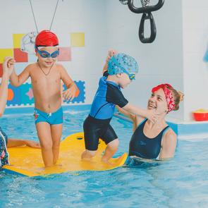 Мамин опыт: как я победила страхи и отдала детей на плаванье
