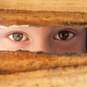 8 вещей, которые вам нужно скрывать от детей