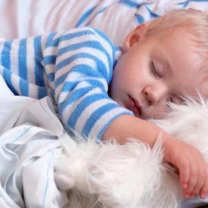 Ученые: младенцы не должны спать всю ночь