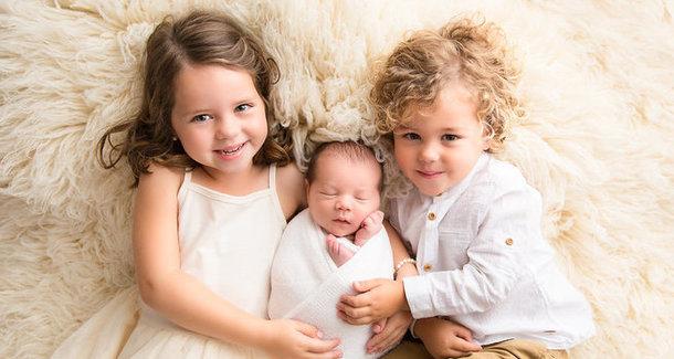 Правительство одобрило дополнительные выплаты на третьего ребенка