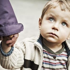 ВИДЕО: как незнакомцы уводят детей