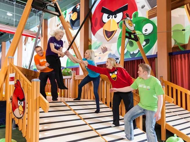 Парк аттракционов Angry Birds ждёт взрослых и детей