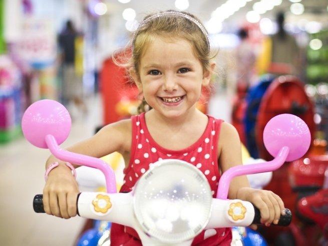 Много не бывает, или стоит ли баловать ребёнка подарками?