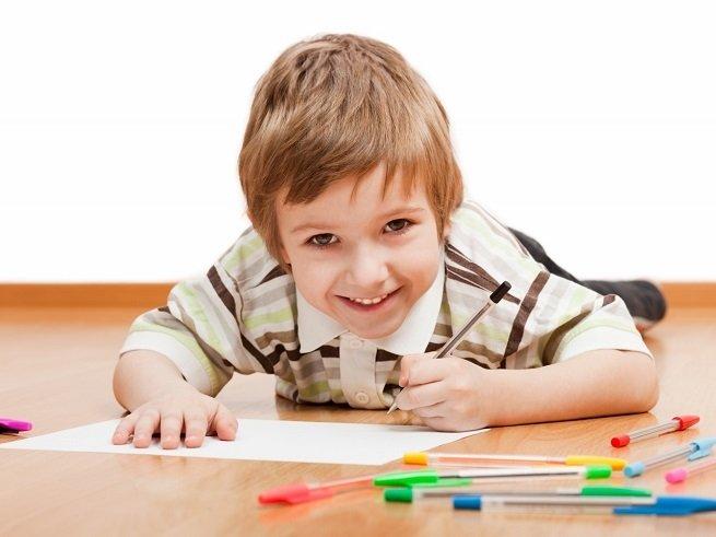 Как научить ребенка-левшу красиво писать