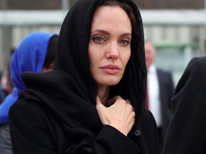 Адвокаты: «Анджелина Джоли лжёт и клевещет»