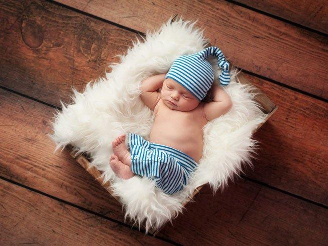 Какую детскую смесь выбрать для новорожденного