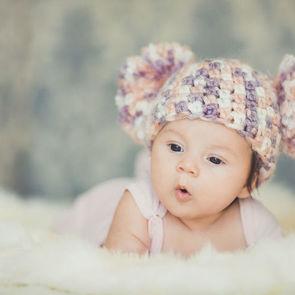 ВИДЕО: ребенок впервые слышит материнский голос
