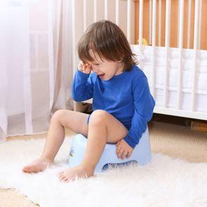 Почему ребенок отказывается от горшка?