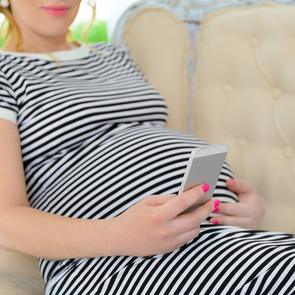 Учёные: Wi-Fi и мобильные телефоны опасны для будущих мам